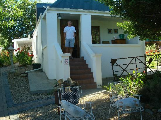 De Opstal Country Lodge: Outside Room 15