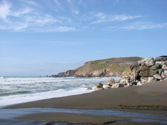Holiday Inn Express Hotel & Suites Pacifica: rockaway beach