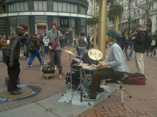โมเดสโต, แคลิฟอร์เนีย: Tap dancing street performer