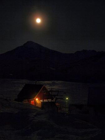Fuldmåne over Kulusuk d. 09.02.09
