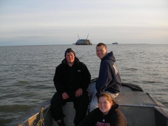 Naknek, Аляска: Bubba, Joshers and I