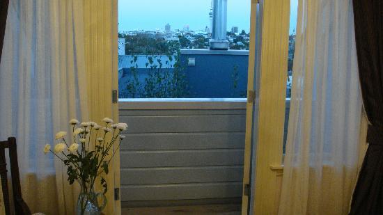 Sunderland House: the balcony