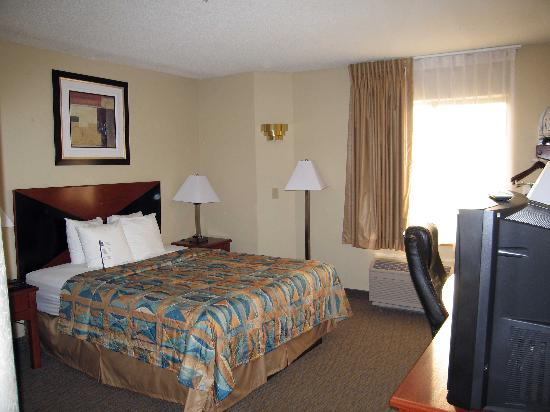 Sleep Inn Airport Kansas City : Room 109