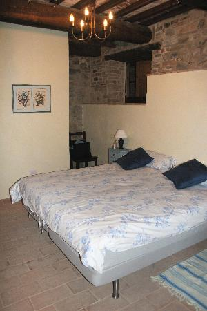 L'Antica Vetreria: one of the bedrooms, other is almost exactly the same