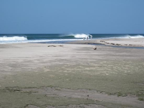 Las Plumerias Lodge and Surf: Colorado surf break