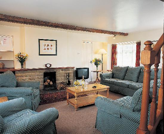 Our lodge picture of self catering breaks at rudding for Nottingham cottage interior