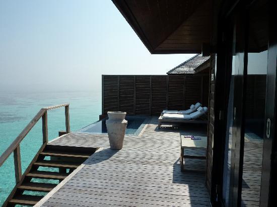 Lily Beach Resort & Spa: WV Decking