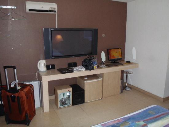 Hotel Dodo: Tv,Computer,Refridge,Surround sound