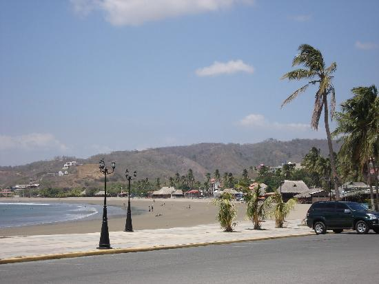 SJDS beach - 5 minute walk from Hotel Villa Isabella