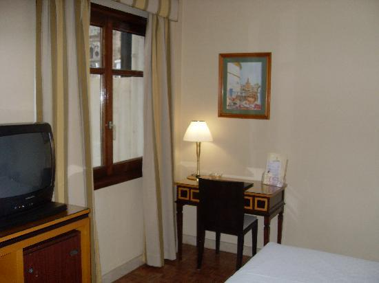 Don Curro Hotel: Room 501 Desk and Chair