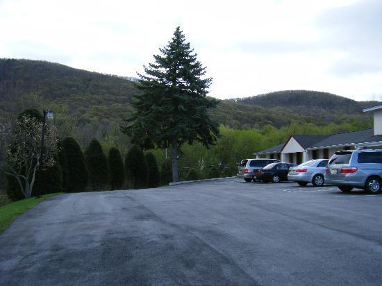 Appalachian Motel 2