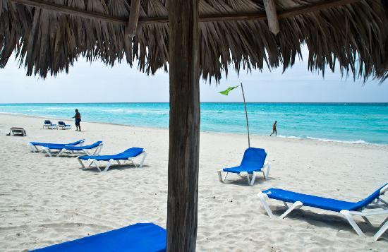 Varadero, Kuba: Beach cabana point of view