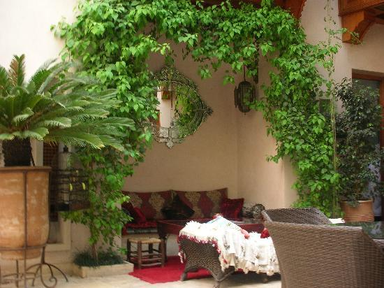 Riad Flam : One of the areas to sit and relax