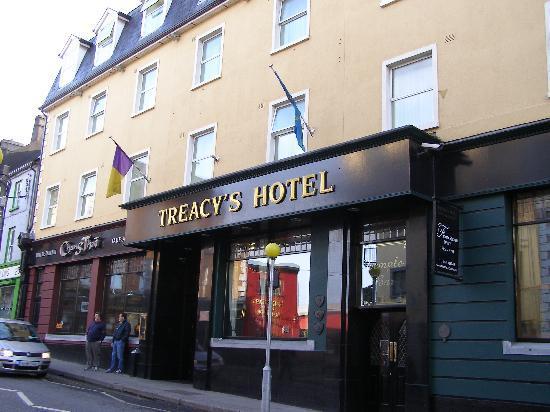 Treacy's Hotel: Treacy,s Hotel Enterance