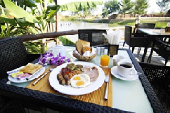 The Residence Hua Hin: The Rez lakeside restaurant
