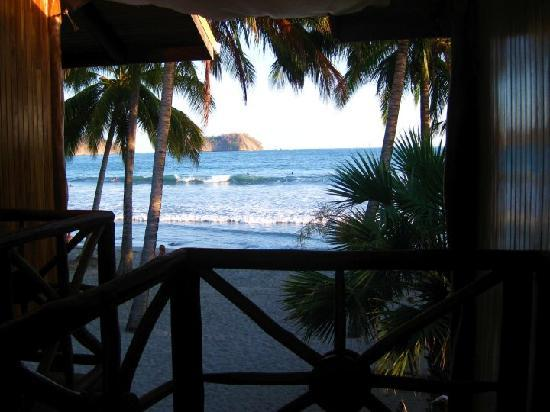 Samara Tree House Inn: cannot beat the location