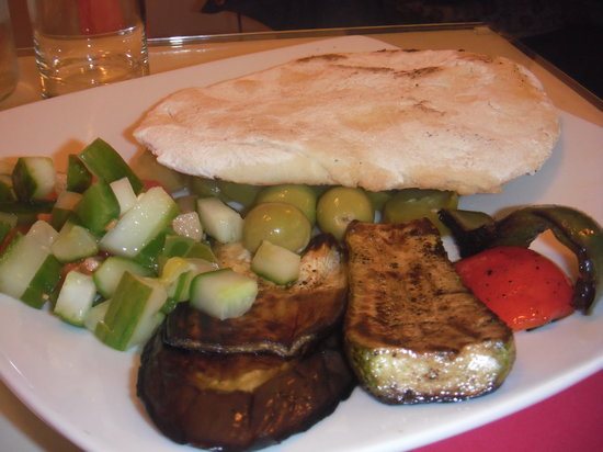 Verdi Verdi: Homemade pita with grilled vegetables