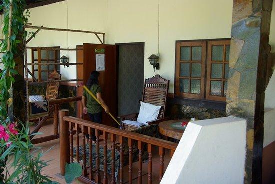 Prachin Buri, Thailand: Bungalow Reinigung