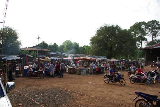 Palm Garden Lodge: Markt in Prachin Buri