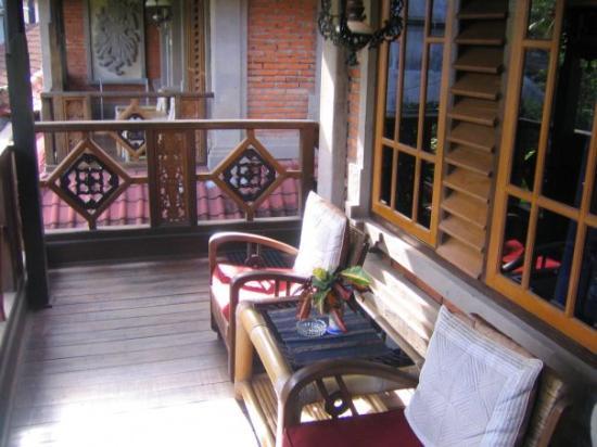 the sunny balcony =)
