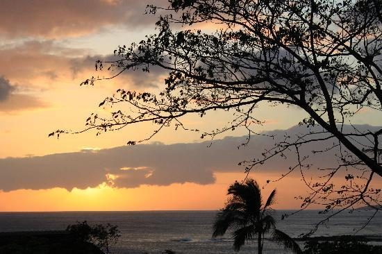 Sunset Kahili Condos: View from our lanai