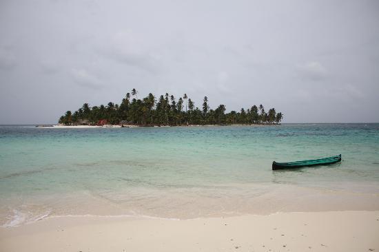 Coral Lodge: San Blas- Dog Island