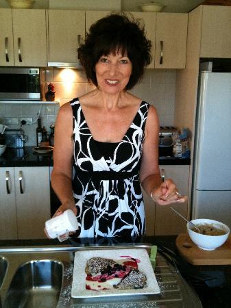 Treghan Luxury Lodge: Wendy and her blueberry pancakes