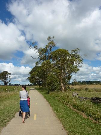 Briars Country Lodge & Inn: The beautiful bike path