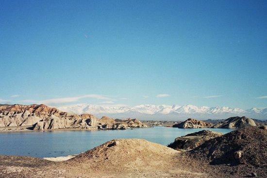 Province of San Juan, Argentina: 3 San Juan- Rodeo Cuesta del Viento colores terrosos y picos nevados