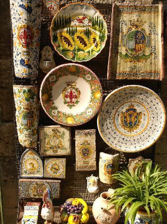 Tuscany Inn Hotel : Montecatini Ceramics