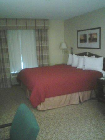 Country Inn & Suites By Carlson, Elgin: Comfy bed