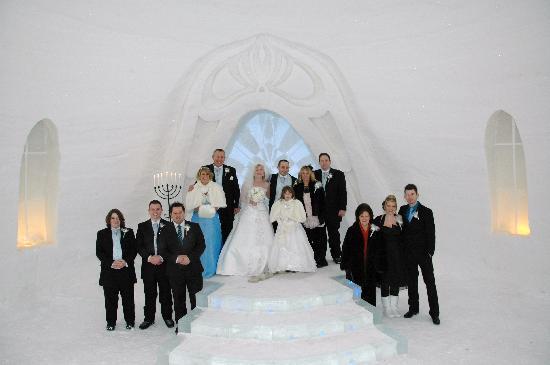 Snow Village : family photo