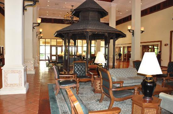 Sofitel Angkor Phokeethra Golf and Spa Resort: The Reception Area