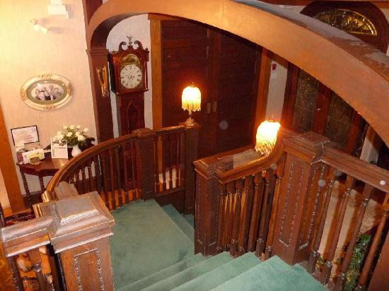 Sleepy Hollow Bed & Breakfast: Treppe