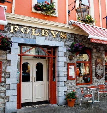 Foleys Guesthoues & Self-Catering Holiday Homes: Foleys Restaurant & Irish Music Pub