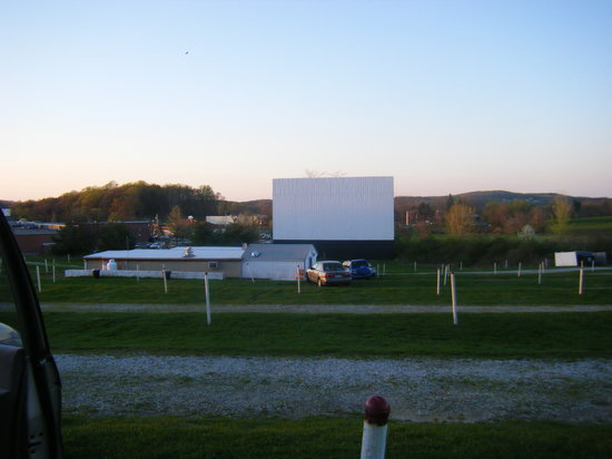 ‪Warwick Drive-In Movie Theater‬