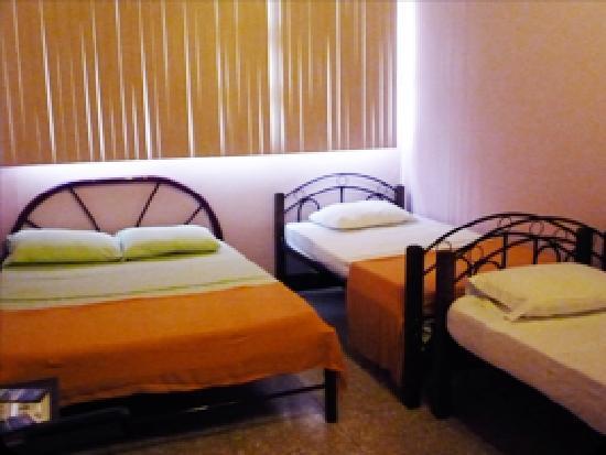 Hotel Paseo Colon: Tenorio Quad Room