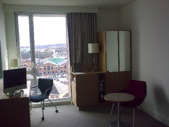 ‪‪Doubletree by Hilton Hotel Leeds City Centre‬: The room‬