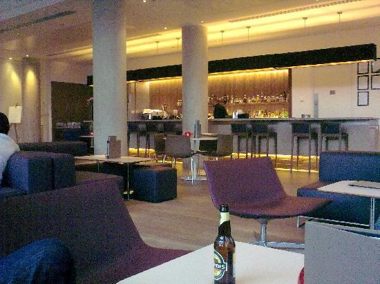 Doubletree by Hilton Hotel Leeds City Centre: The granary bar
