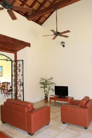 Hotel El Almirante: Lounge area
