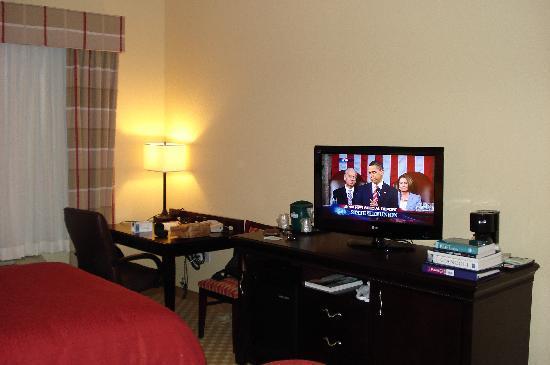 Country Inn & Suites by Radisson, Bradenton at I-75, FL: High Definition Television, Microwave, Fridge