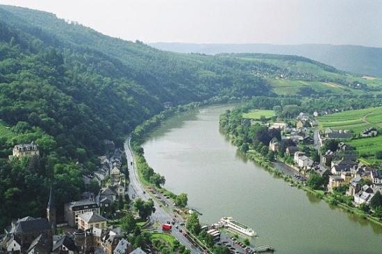Traben-Trarbach, Deutschland: The River Moselle, Traben-Trabach in Germany