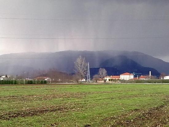 Bassano Del Grappa, Italia: San Michele in tempesta