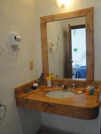 Koox Hotel Banana: Baño, no use el secador de pelo, supongo que andaba.