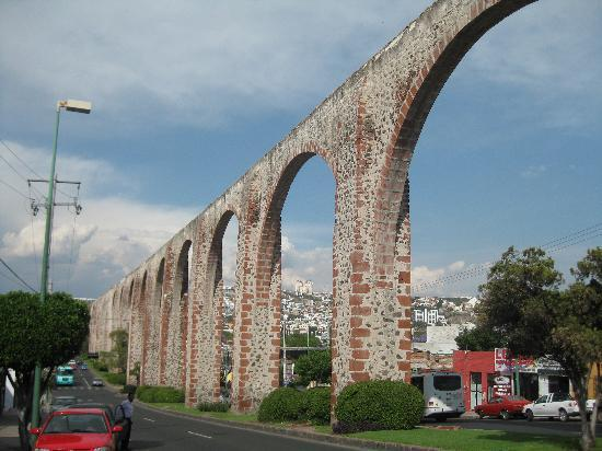 Queretaro City, Mexiko: aquaduct ,Queretaro
