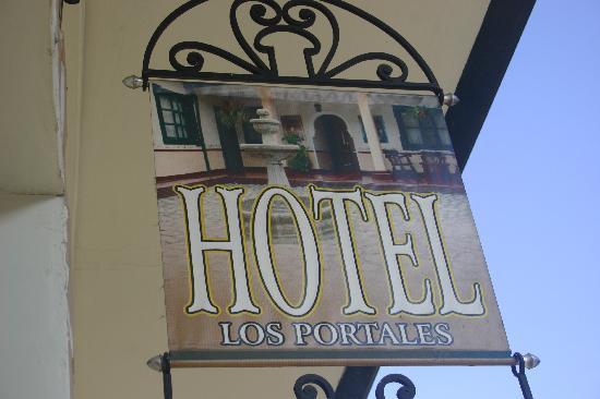 Hotel Los Portales: Hotel sign