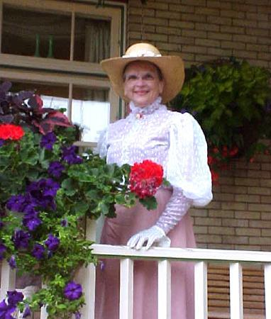 Bayfield, Ουισκόνσιν: Pioneer wife, Nellie Tate leads Historic Walk