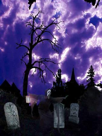 Bayfield, WI: Ghost Walks are a popular family activity