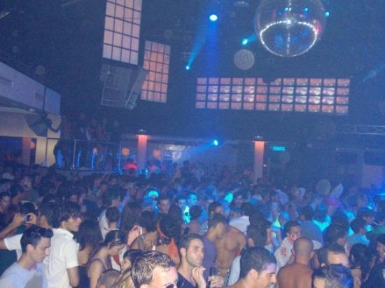 Playa d'en Bossa, Spain: Matinee @ Space