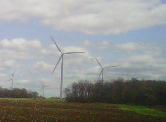 Valders, WI: Wind towers in Brotherstown